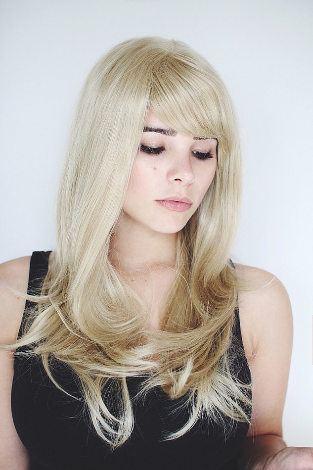 lang hell blond fransig geschnitten Stufen glatt leicht gewellt Perücke C495