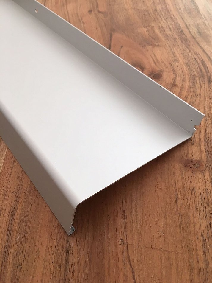 fensterbank alu wei ral 9016 zuschnitt aluminium. Black Bedroom Furniture Sets. Home Design Ideas