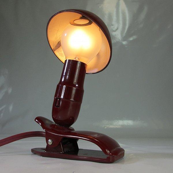 alte lampe poldi hergil o buchleselampe bakelit klemmlampe hutleuchte ebay. Black Bedroom Furniture Sets. Home Design Ideas